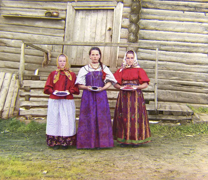 Russian peasant girls - photo by Sergey Pokudin-Gorsky