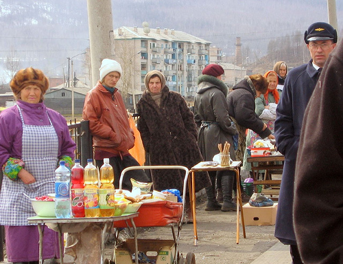 Old women selling food on the Trans-Siberian / Photo by Streggin@FlickR