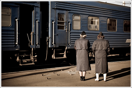 Russian train conducts (provodnitsy) / Photo by eyedeaz@FlickR