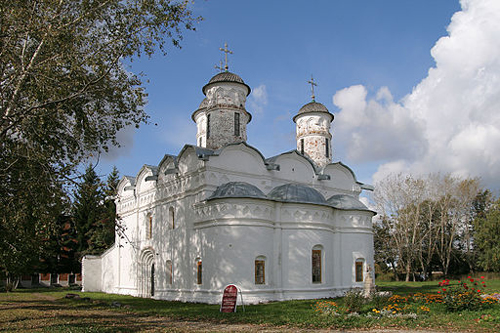 Rizopolozhensky Cathedral of the Rizopolozhensky Monastery, Suzdal, 1520 - by Ludvig14/Wikimedia Commons