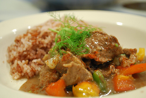 Russian food cuisine main courses recipes way to russia guide beef stroganoff forumfinder Images