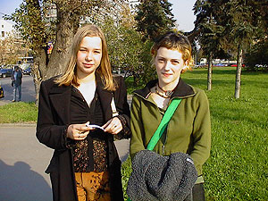 Natasha and Yulia - two Russian girls students from Moscow Russia